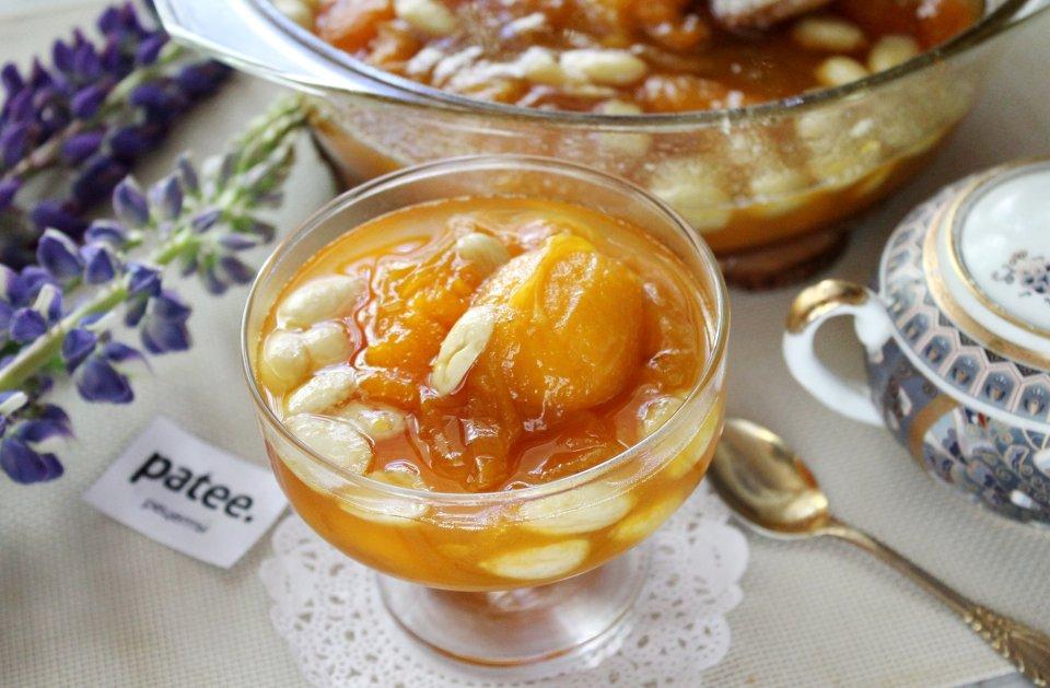 Варенье из абрикосов с миндальным орехом