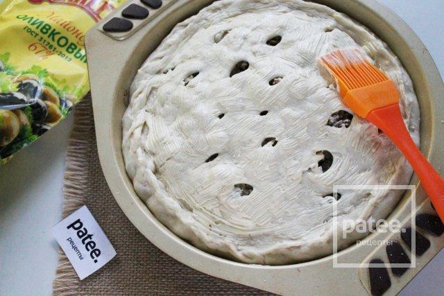 Пирог с капустой и мясным фаршем на дрожжевом тесте