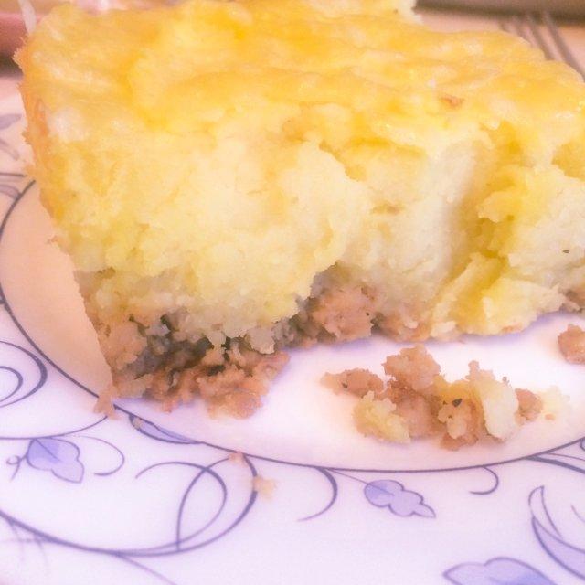 Запеканка с мясным фаршем и картофелем
