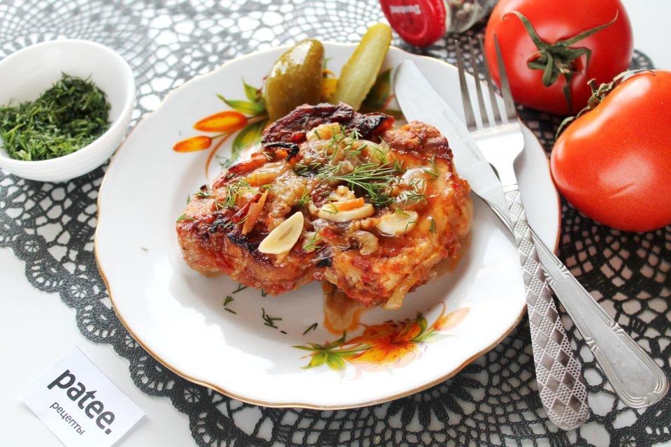 Свинина запеченная в томатном маринаде