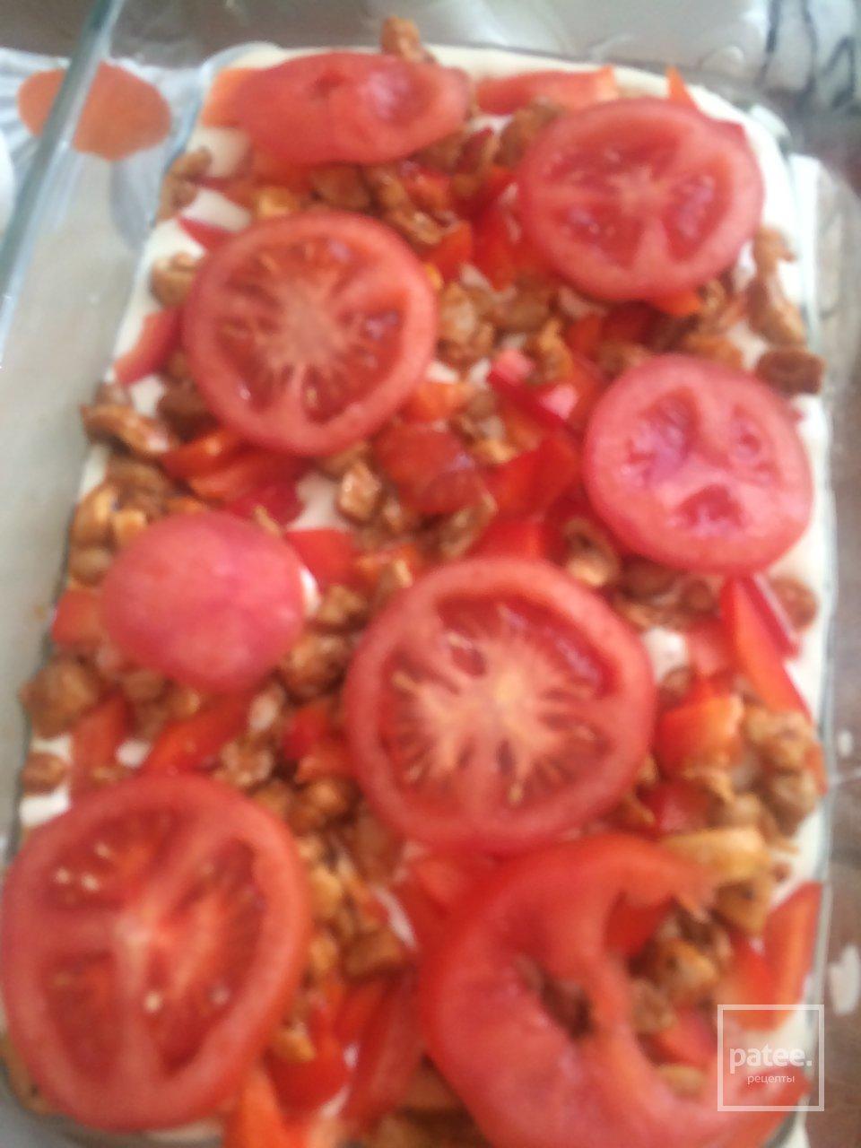 Открытый пирог с курицей и болгарским перцем