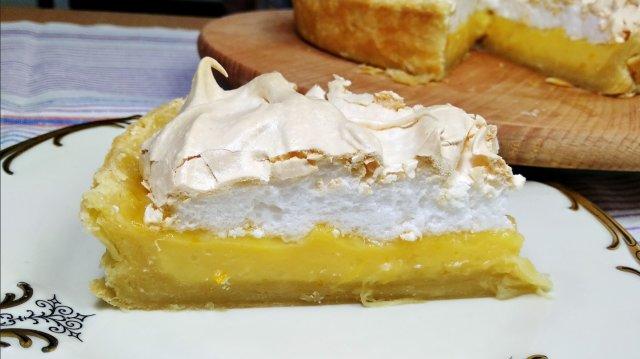 Апельсиновый пирог с меренгой