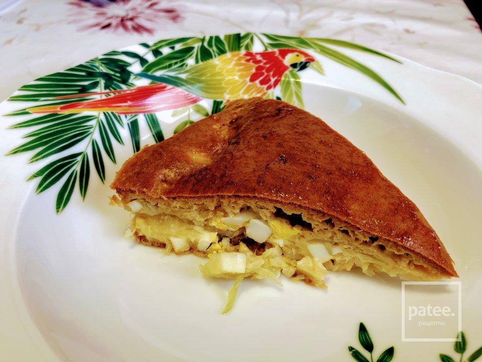 Заливной бездрожжевой пирог с капустой и яйцом
