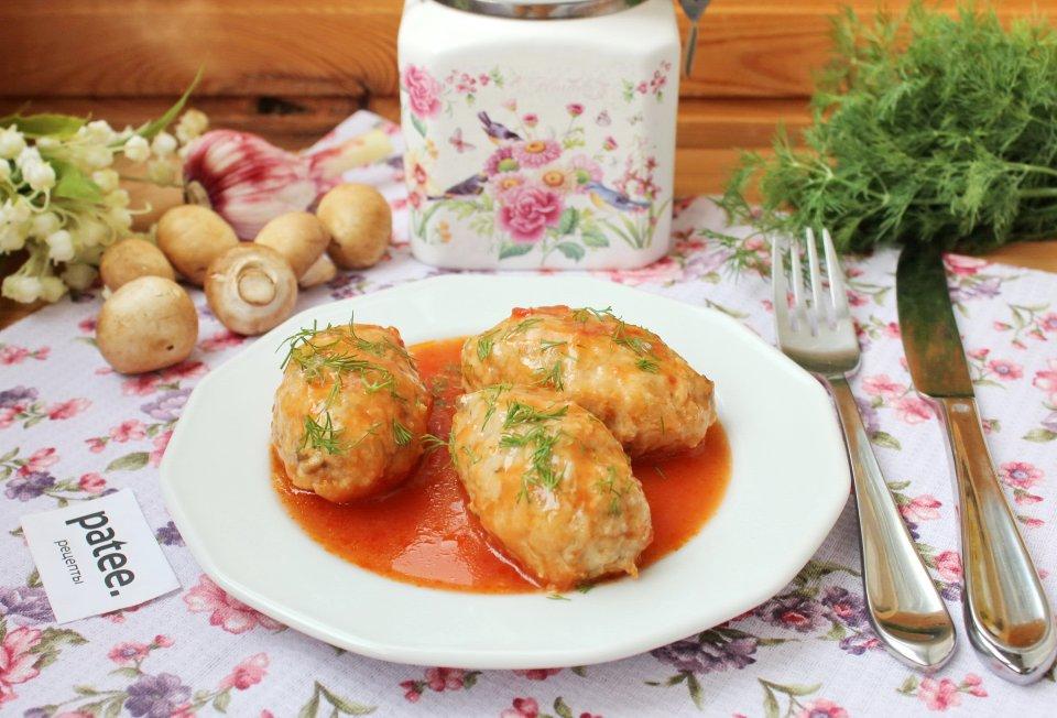 Ленивые голубцы с грибами в томатном соусе