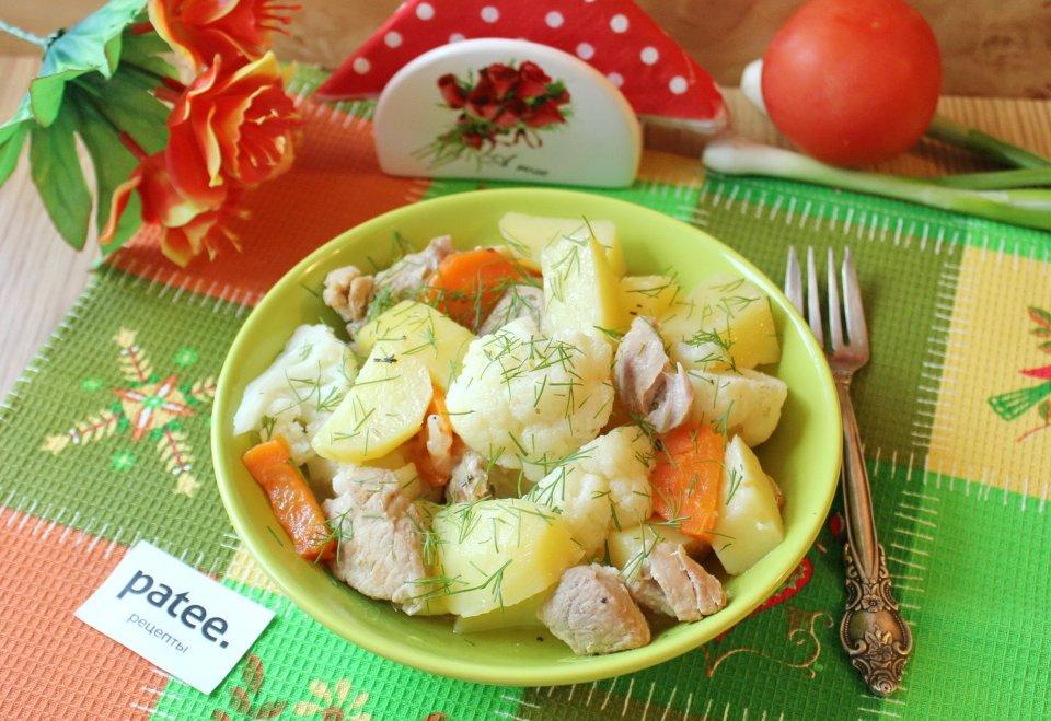 Жаркое из свинины с цветной капустой и картофелем