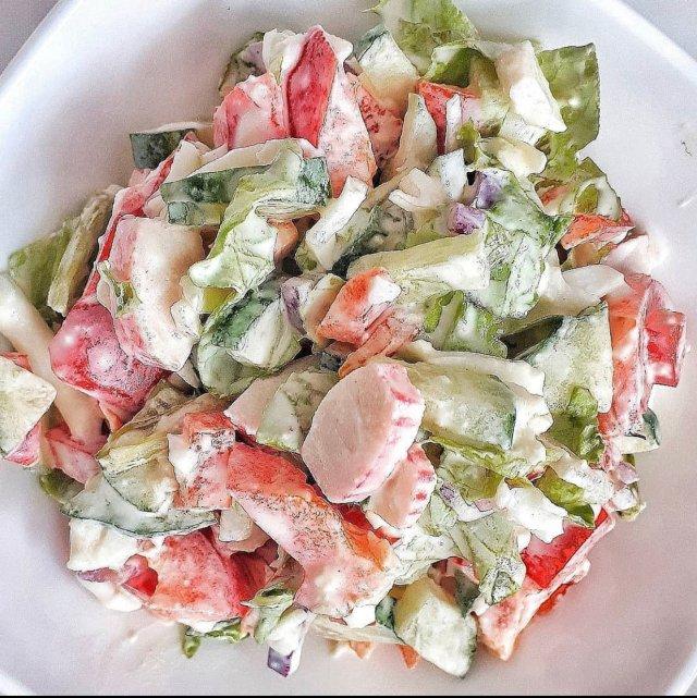 Легкий салат на ужин 🥗