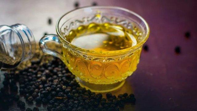 Зеленый чай с пряностями.