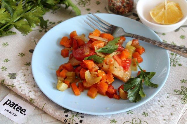Рыба под овощным маринадом в духовке